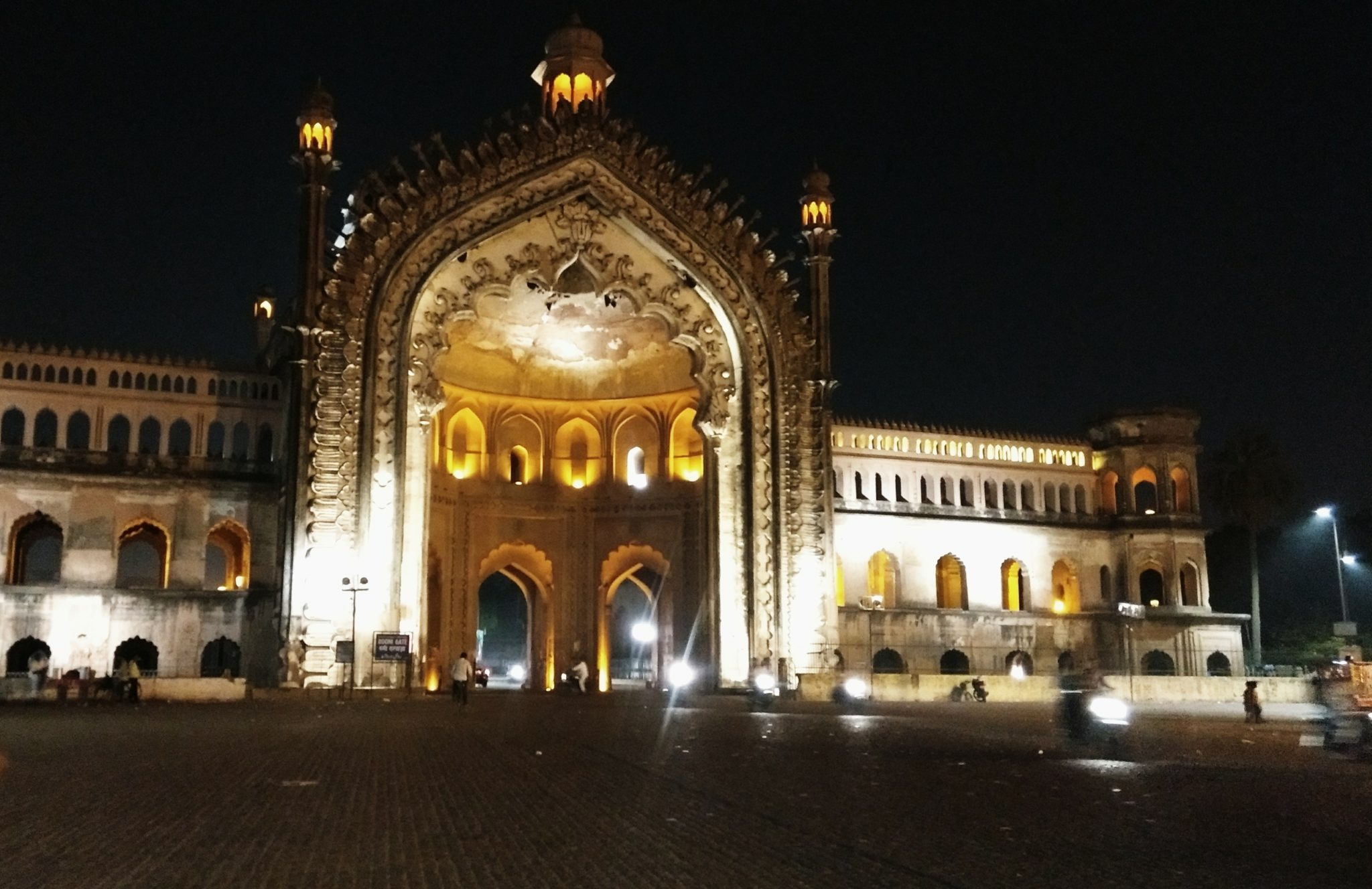 Rumi Darwaza. Lucknow